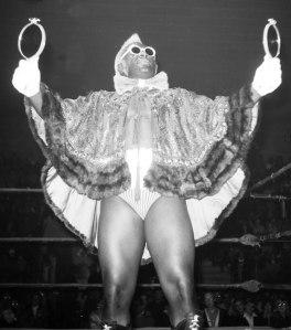 http://news.usask.ca/archived_ocn/09-sept-18/images/wrestling2.jpg